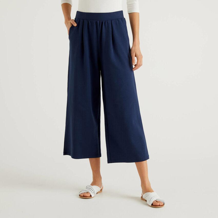 Παντελόνι καμπάνα από ελαφρύ φούτερ