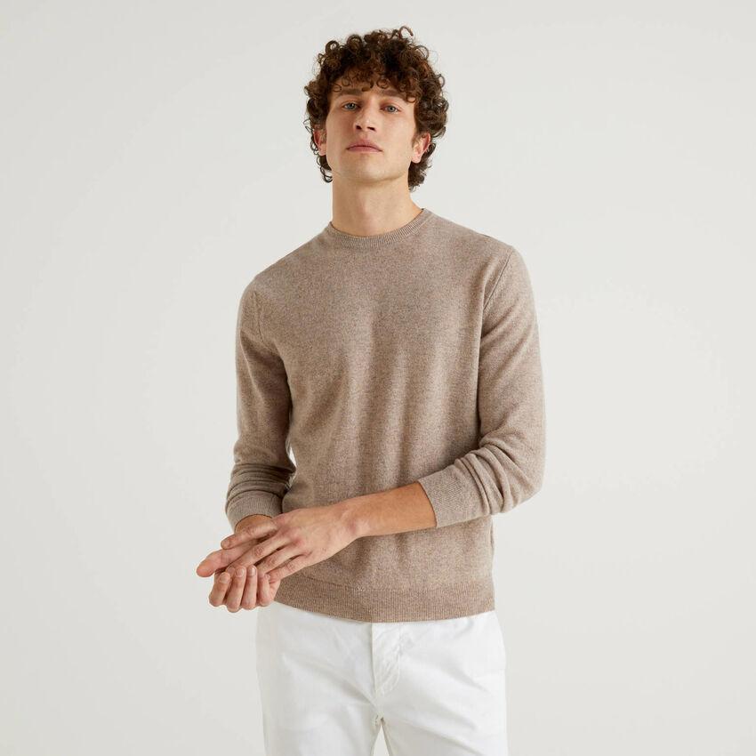Μπλούζα με λαιμόκοψη dove grey από αγνό παρθένο μαλλί