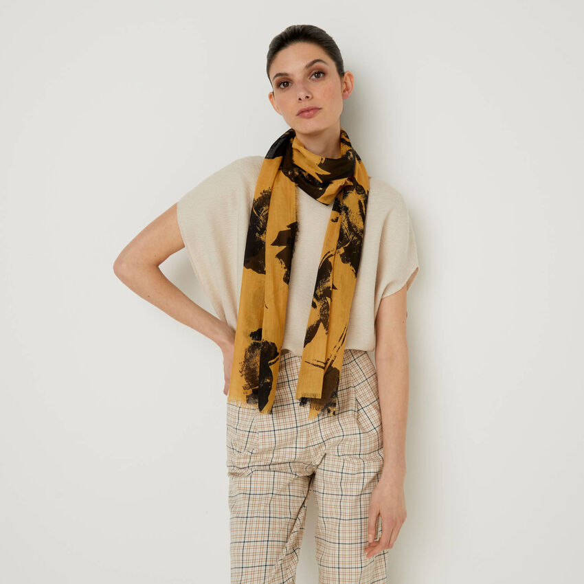 Patterned scarf in organic cotton