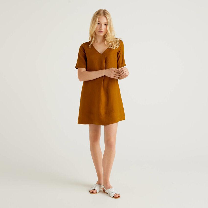 Short dress in pure linen