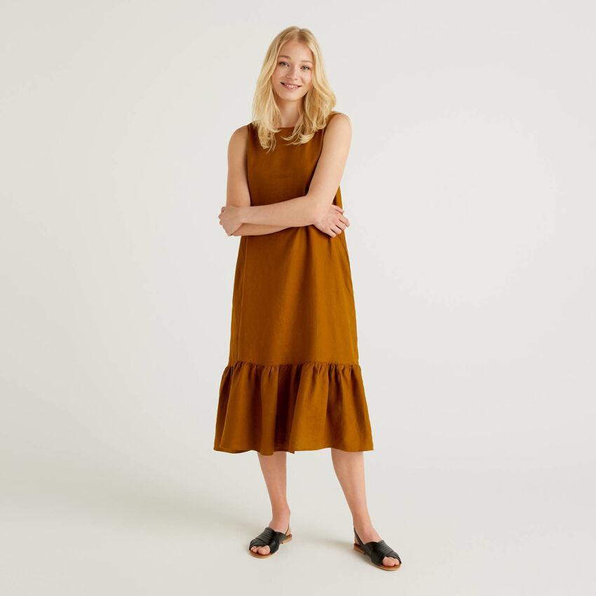 Φόρεμα midi από αγνό λινό με βολάν
