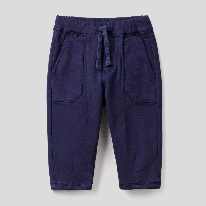 Παντελόνι με κορδόνι και μάξι τσέπες