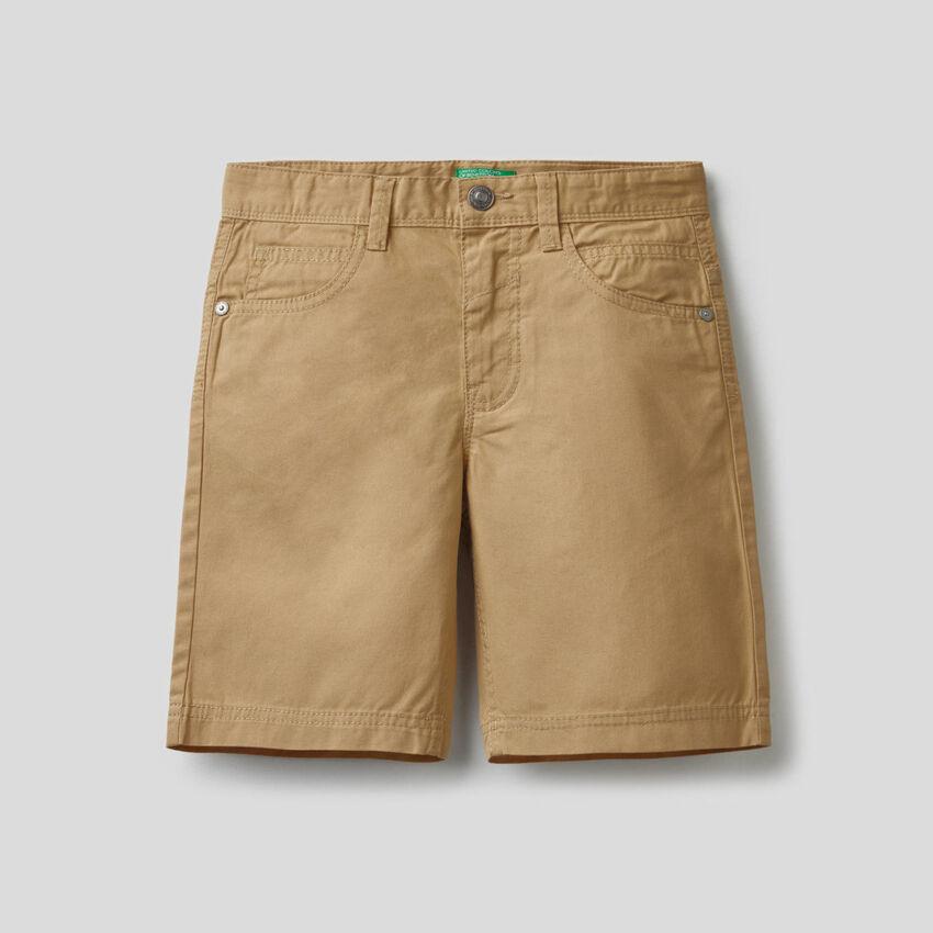 Παντελόνι κοντό με πέντε τσέπες