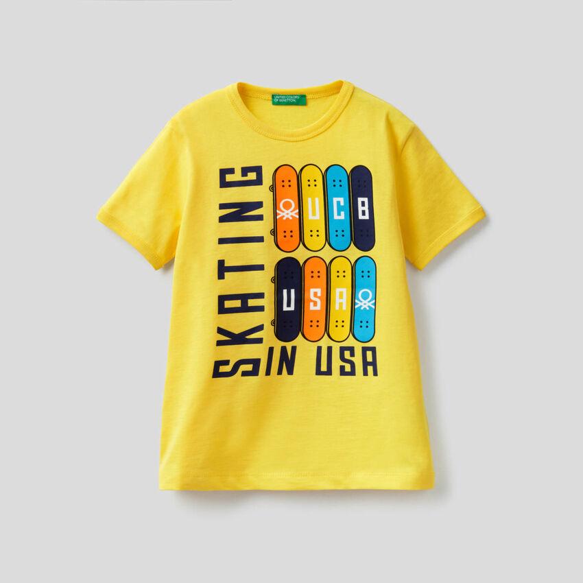T-shirt με μάξι τύπωμα skateboard