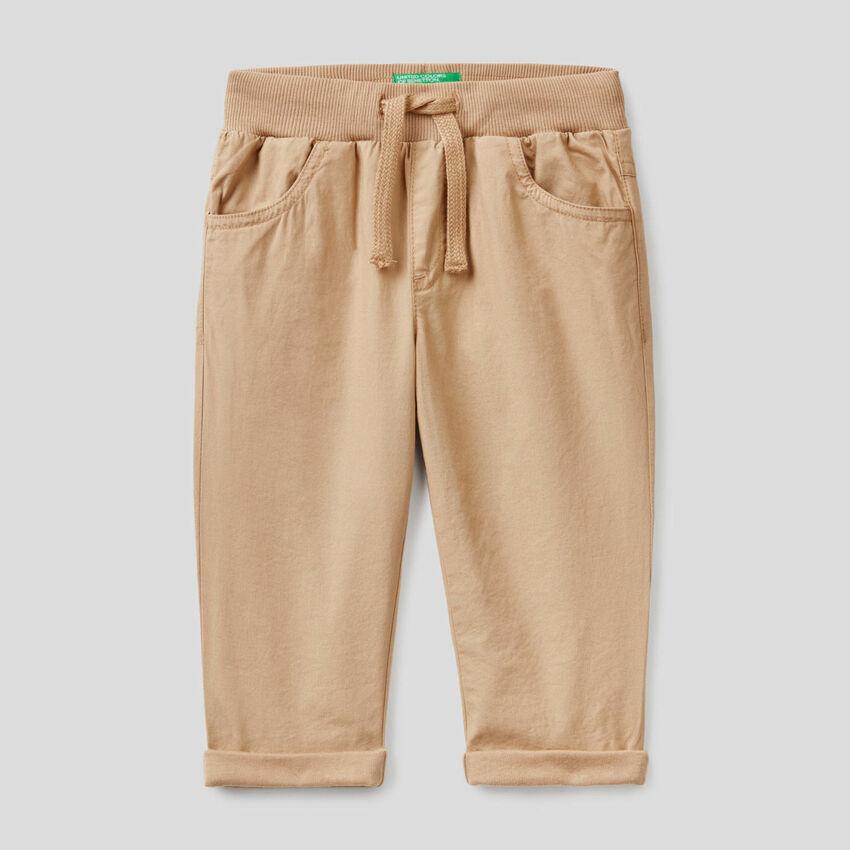 Παντελόνι με κορδόνι