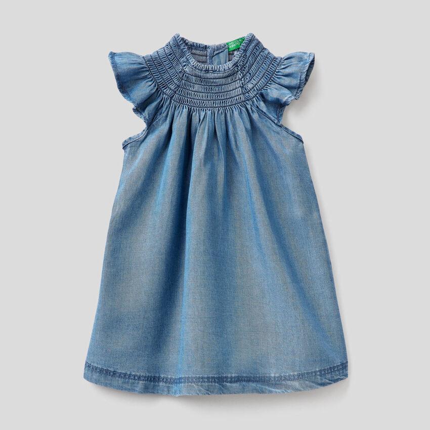Φόρεμα από chambray ύφασμα