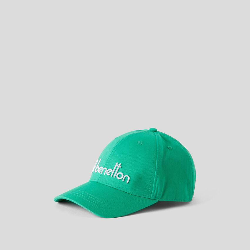 Καπέλο baseball με κεντητό λογότυπο