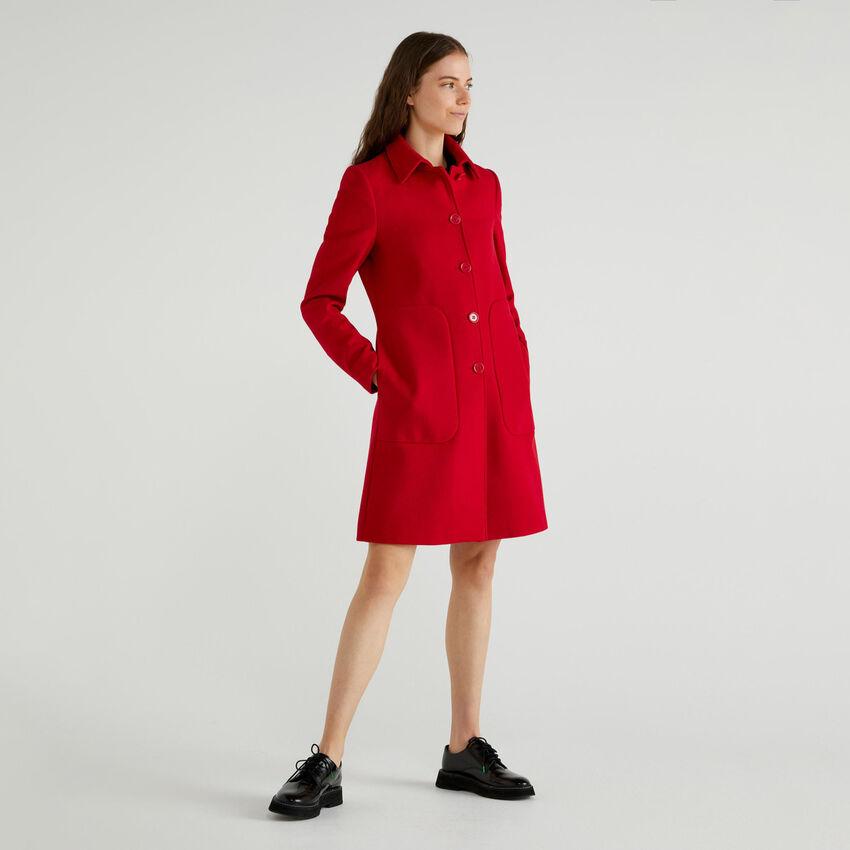Παλτό με γιακά και τσέπες