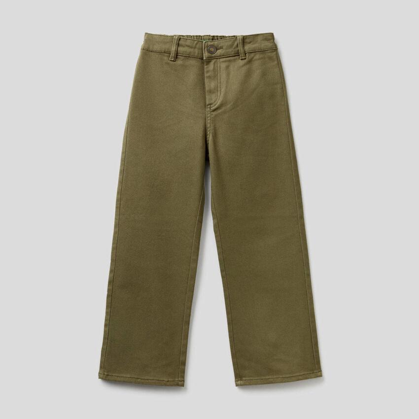 Παντελόνι με με φαρδιά γάμπα από βαμβακερό stretch