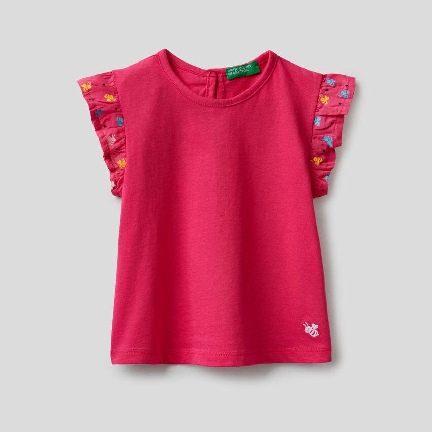 T-shirt με μανίκια βολάν