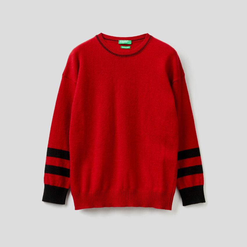 Μπλούζα κόκκινη με διακοσμητικά σχέδια