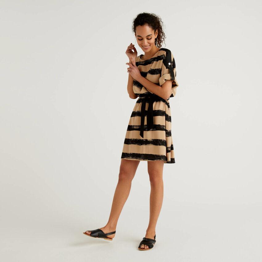 Φόρεμα κοντό με τύπωμα
