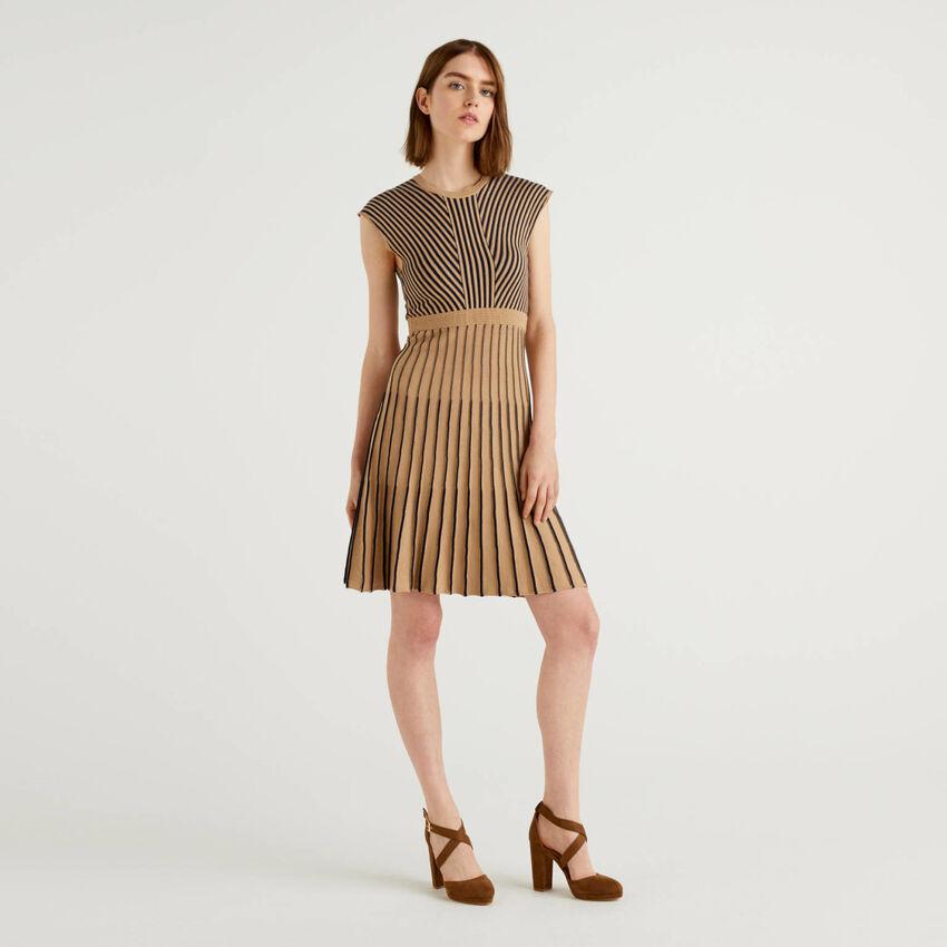 Φόρεμα από πλεκτό ύφασμα από 100% βαμβακερό