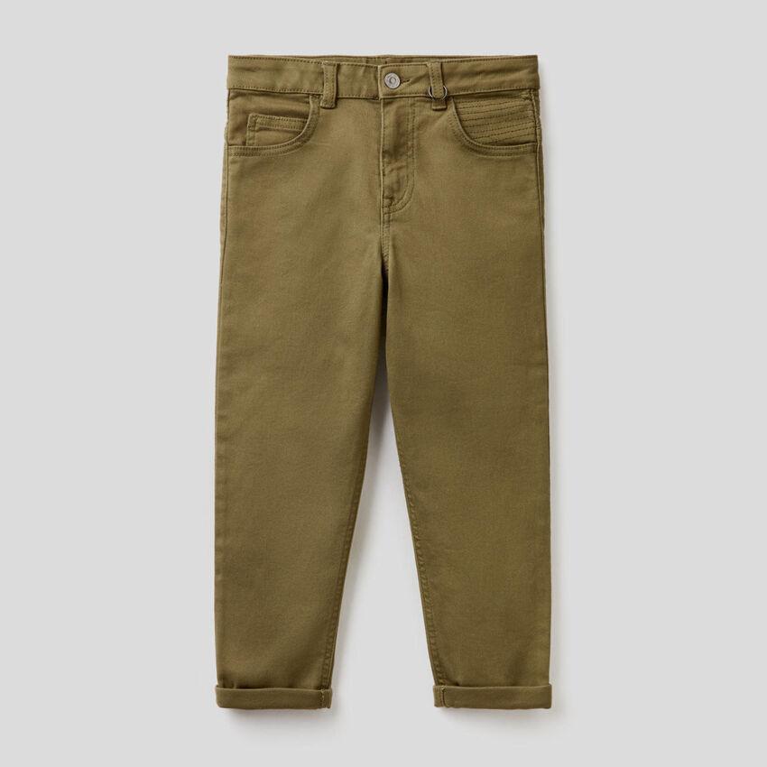 Παντελόνι slim fit με ραφές