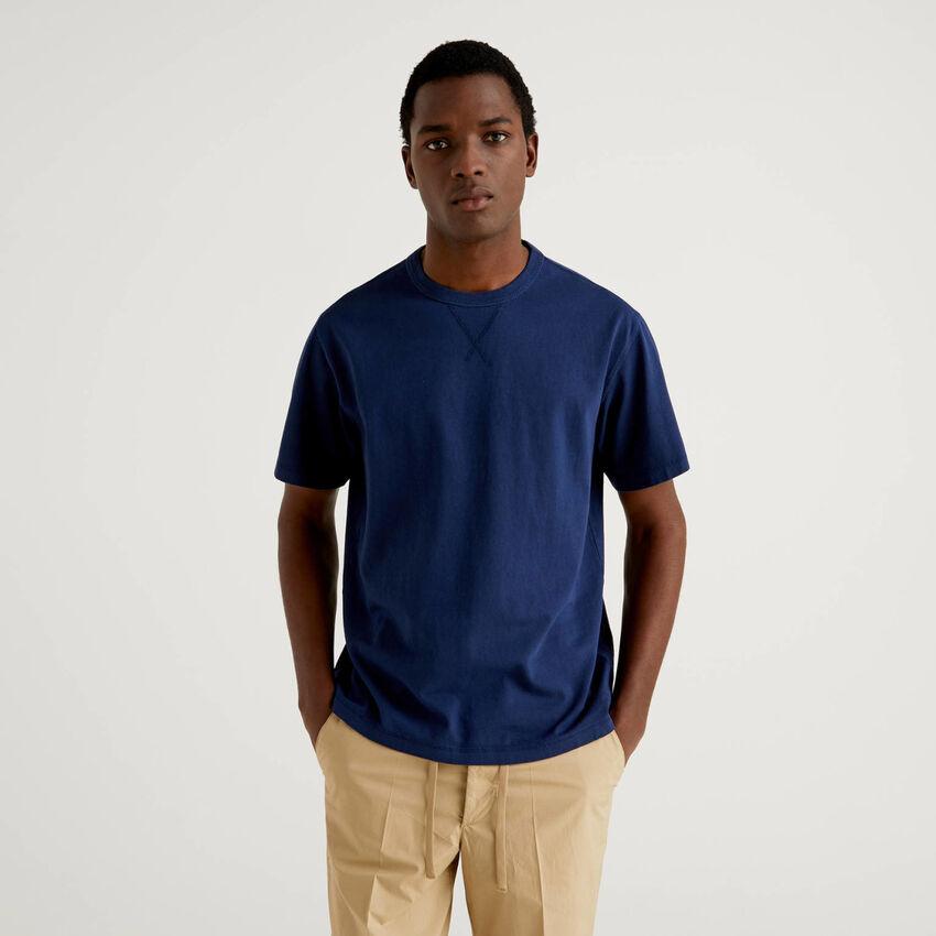 T-shirt με λαιμόκοψη από αγνό βαμβακερό