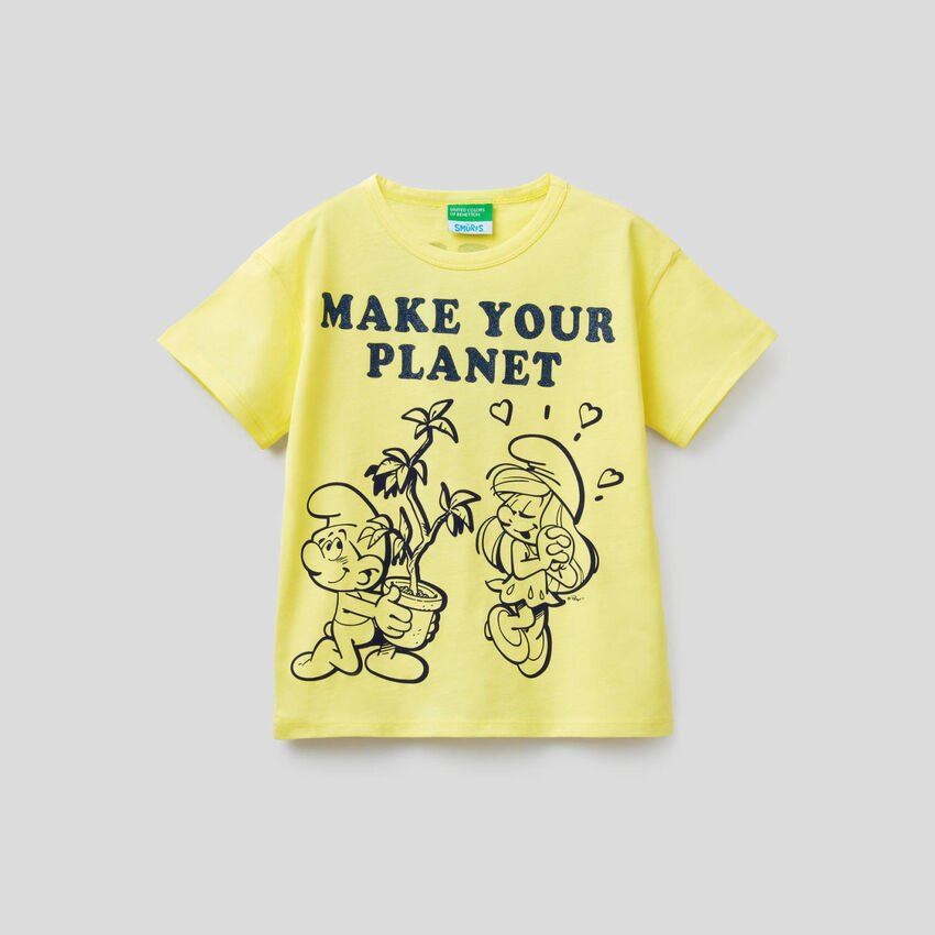 Yellow boxy t-shirt with The Smurfs print