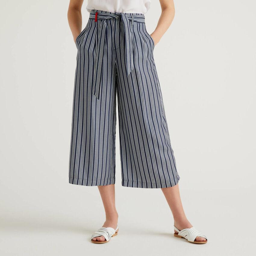 Παντελόνι φαρδύ με ζώνη