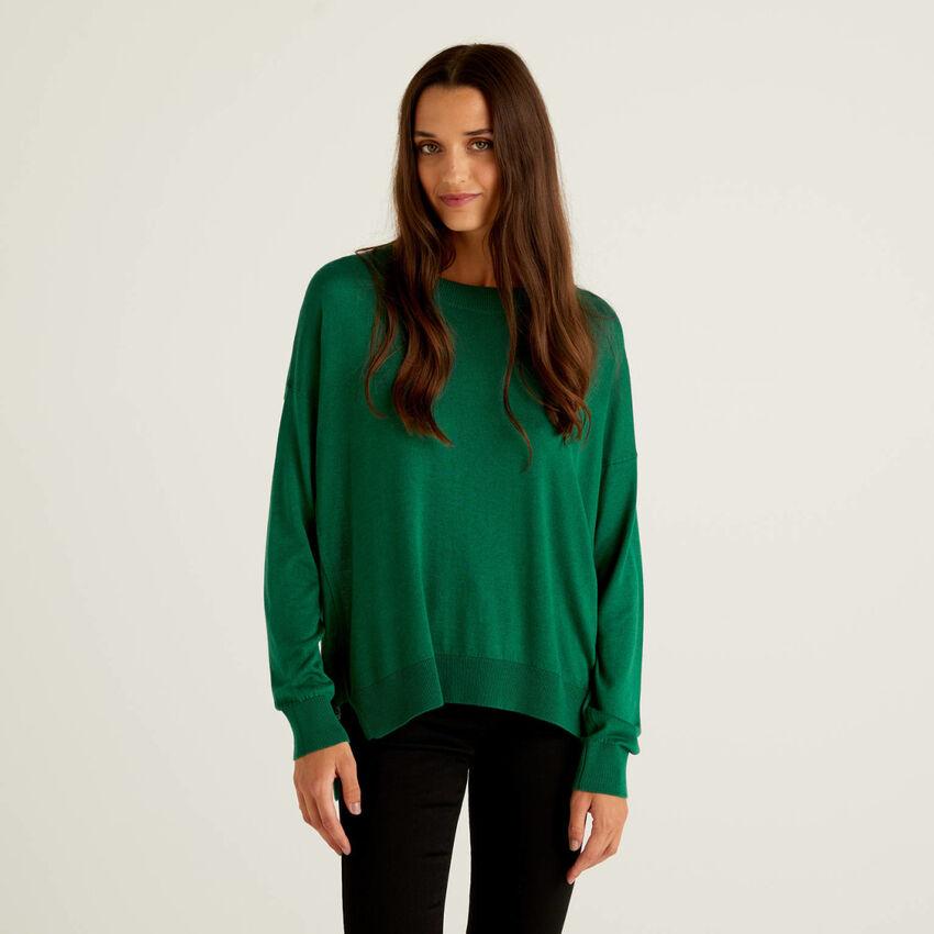 Μπλούζα με σκισίματα σε απαλό fit