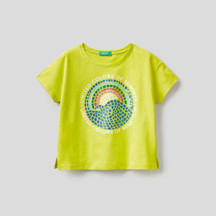 T-shirt with glitter print