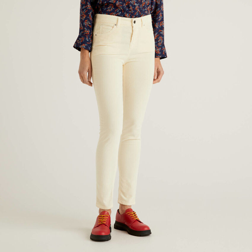 Παντελόνι skinny fit από βελούδο