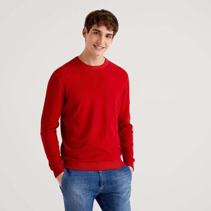 Μπλούζα με λαιμόκοψη με V λεπτομέρεια