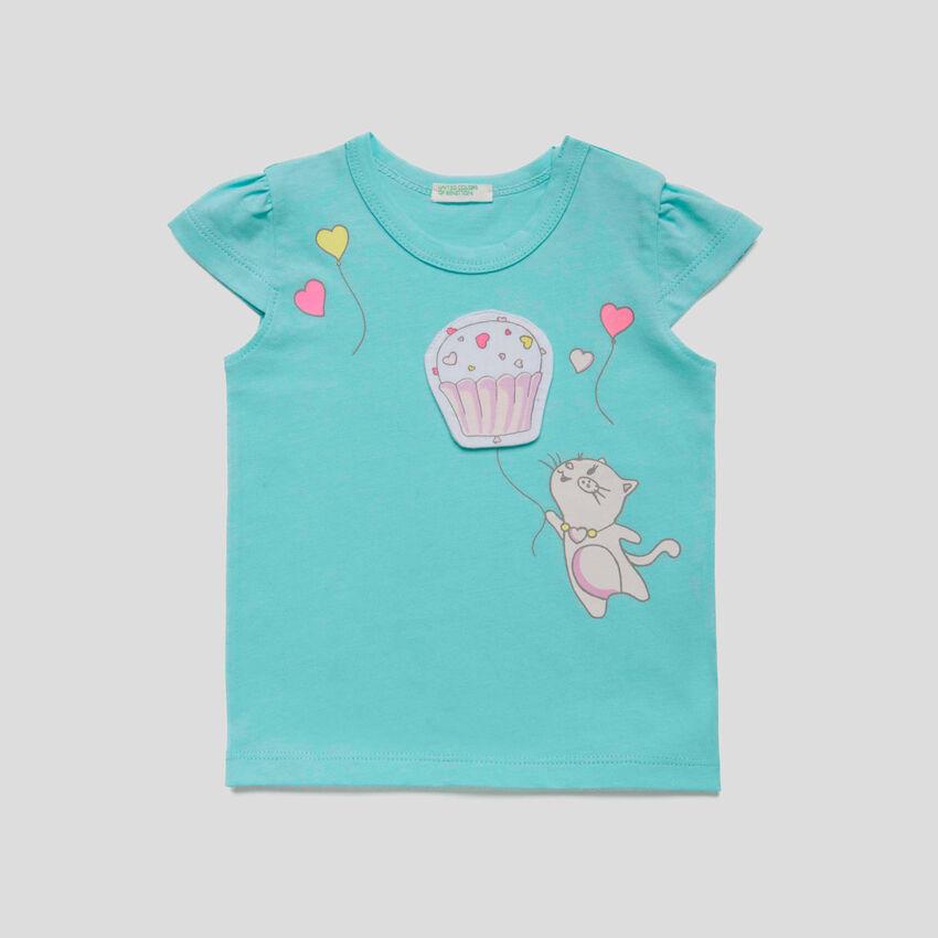 T-shirt με τύπωμα και patch