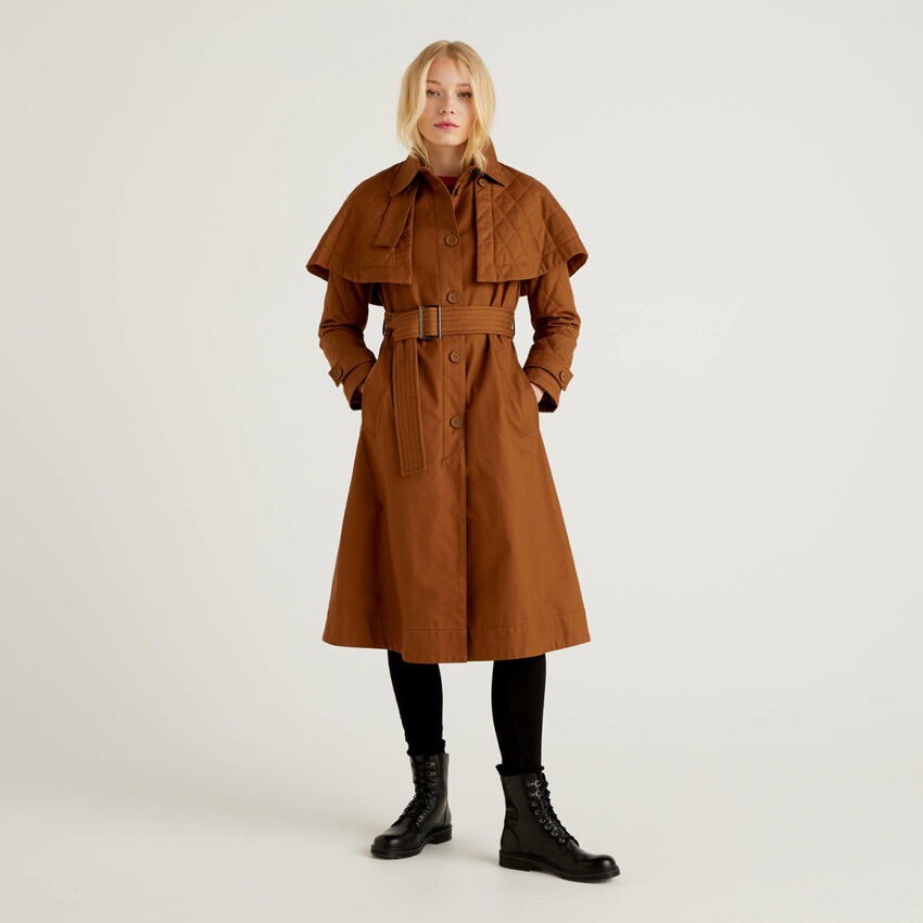 Coat with removable cloak
