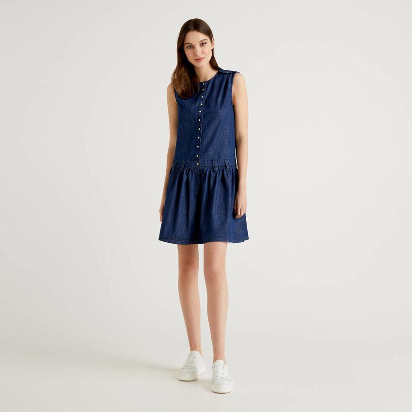Φόρεμα αμάνικο από ελαφρύ τζιν