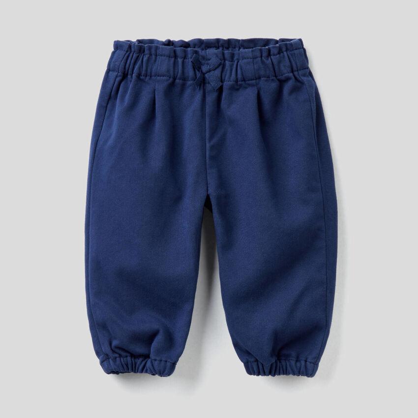 Παντελόνι από ανάμεικτο βαμβακερό με φιογκάκι