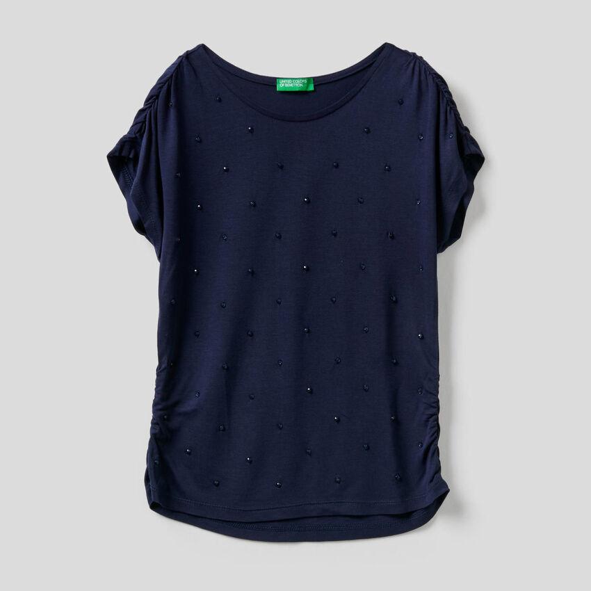 T-shirt με κεντητές χάντρες
