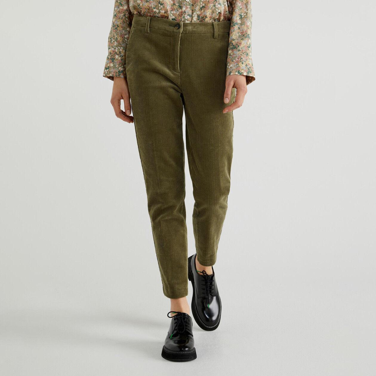 Παντελόνι ελαστικό από βελούδο