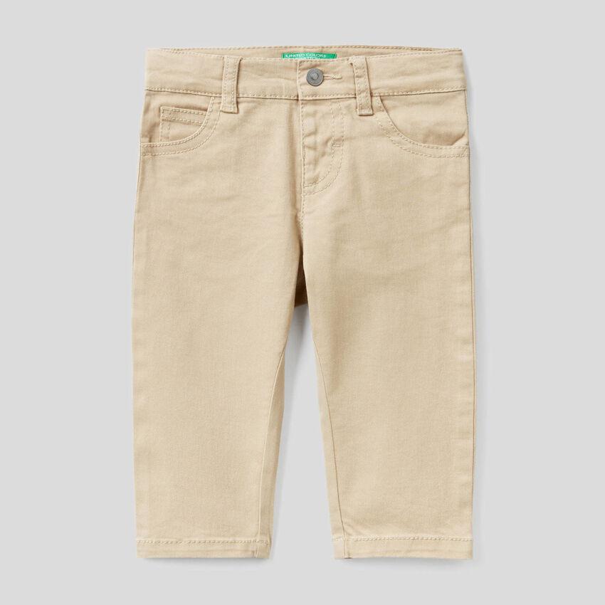 Παντελόνι slim fit με πέντε τσέπες