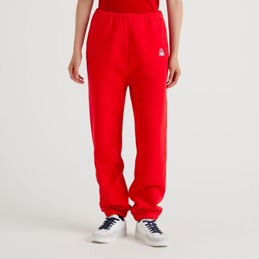 Joggers unisex κόκκινο με κεντήματα by Ghali