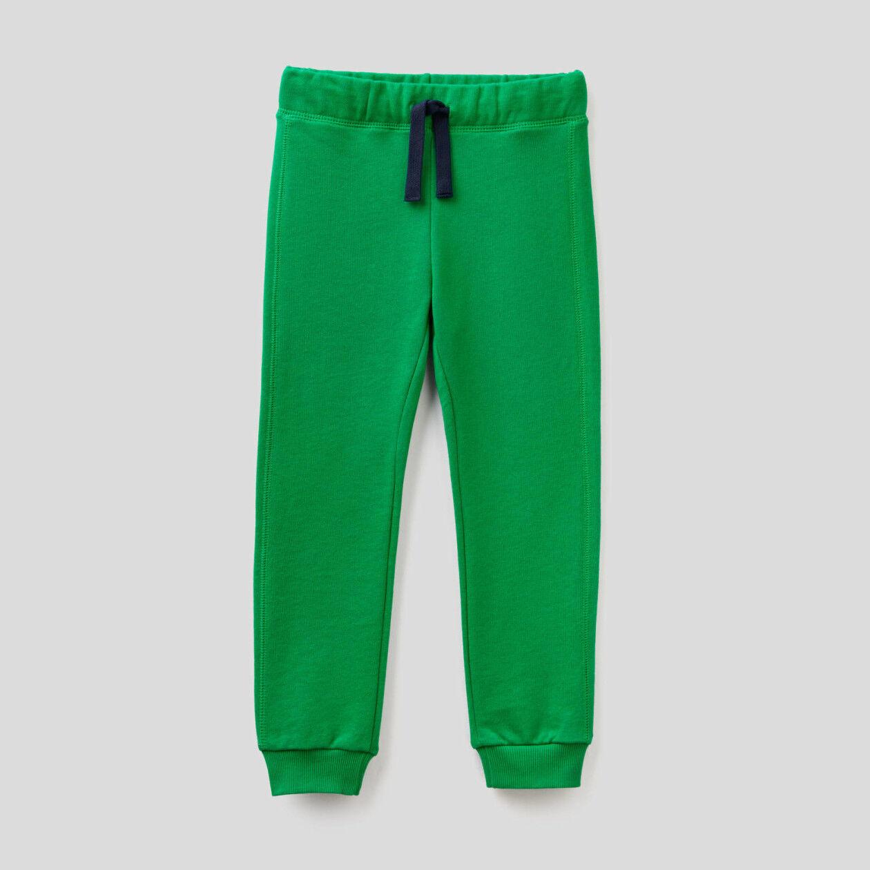 Παντελόνι με τσέπη και μάξι λογότυπο