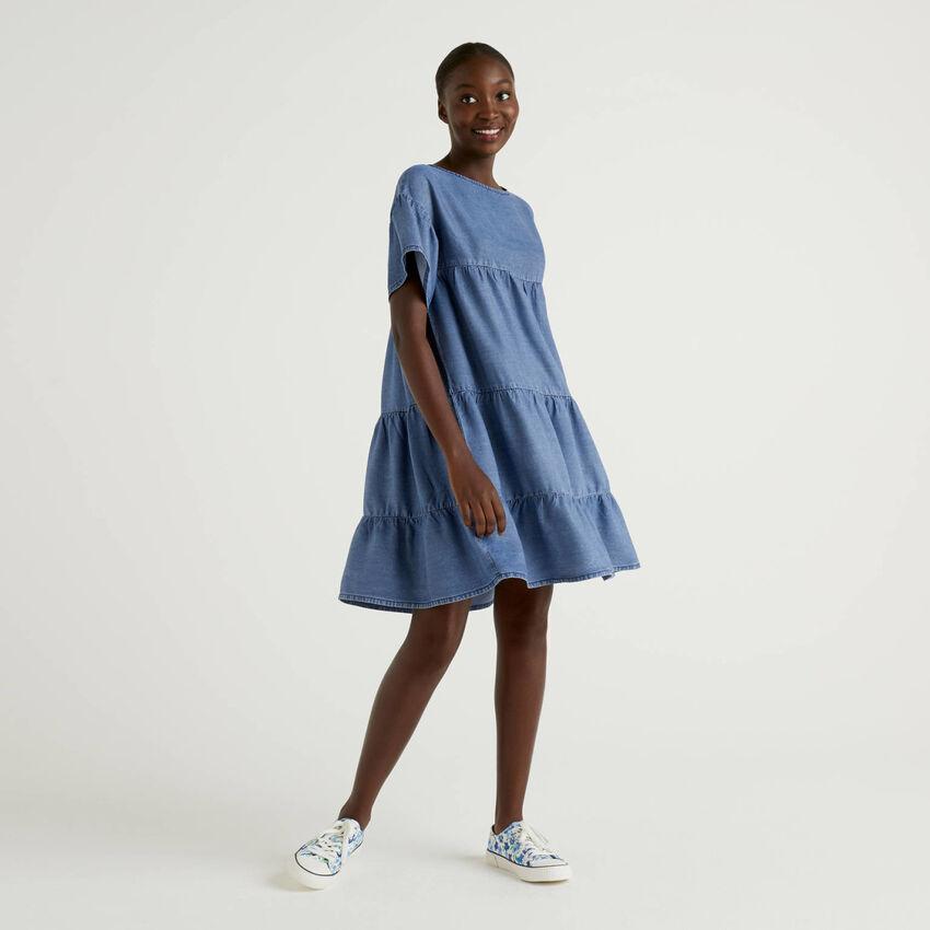 Φόρεμα με βολάν εφέ denim