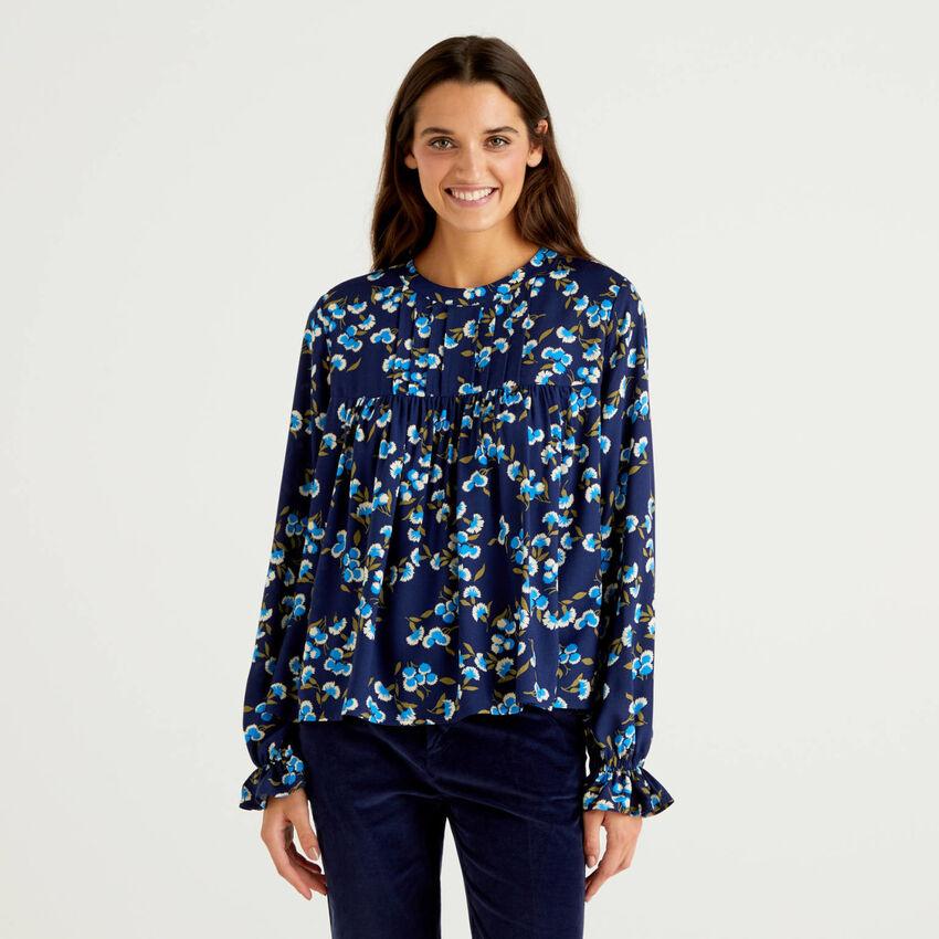 Μπλούζα με σχέδια από βιώσιμη βισκόζη