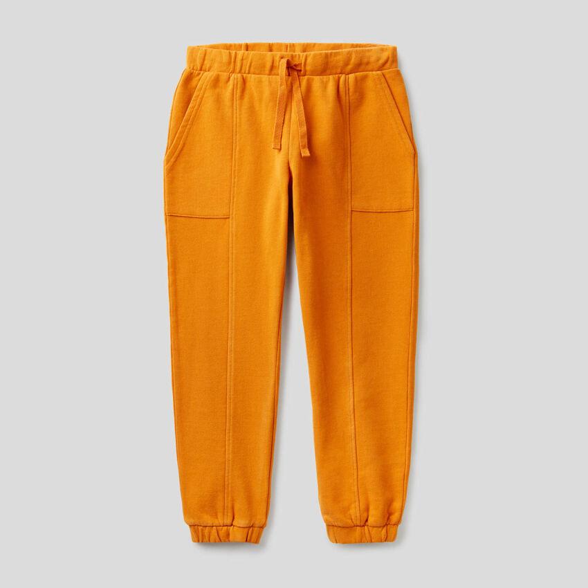 Παντελόνι φούτερ με μάξι τσέπες
