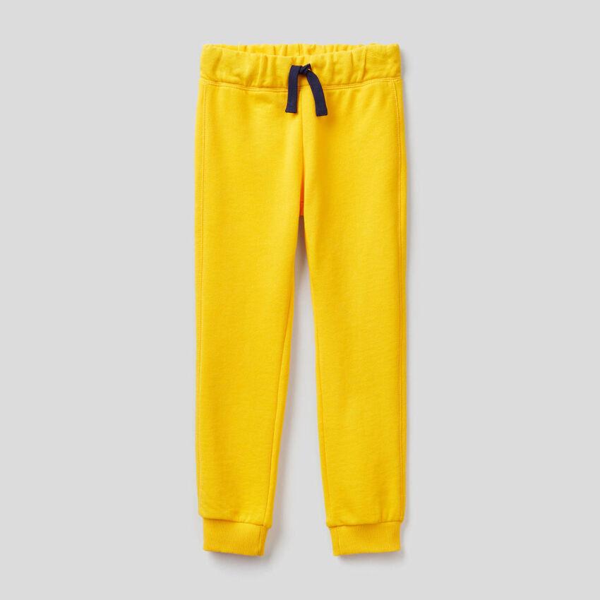 Παντελόνι φούτερ κίτρινο από 100% βαμβακερό