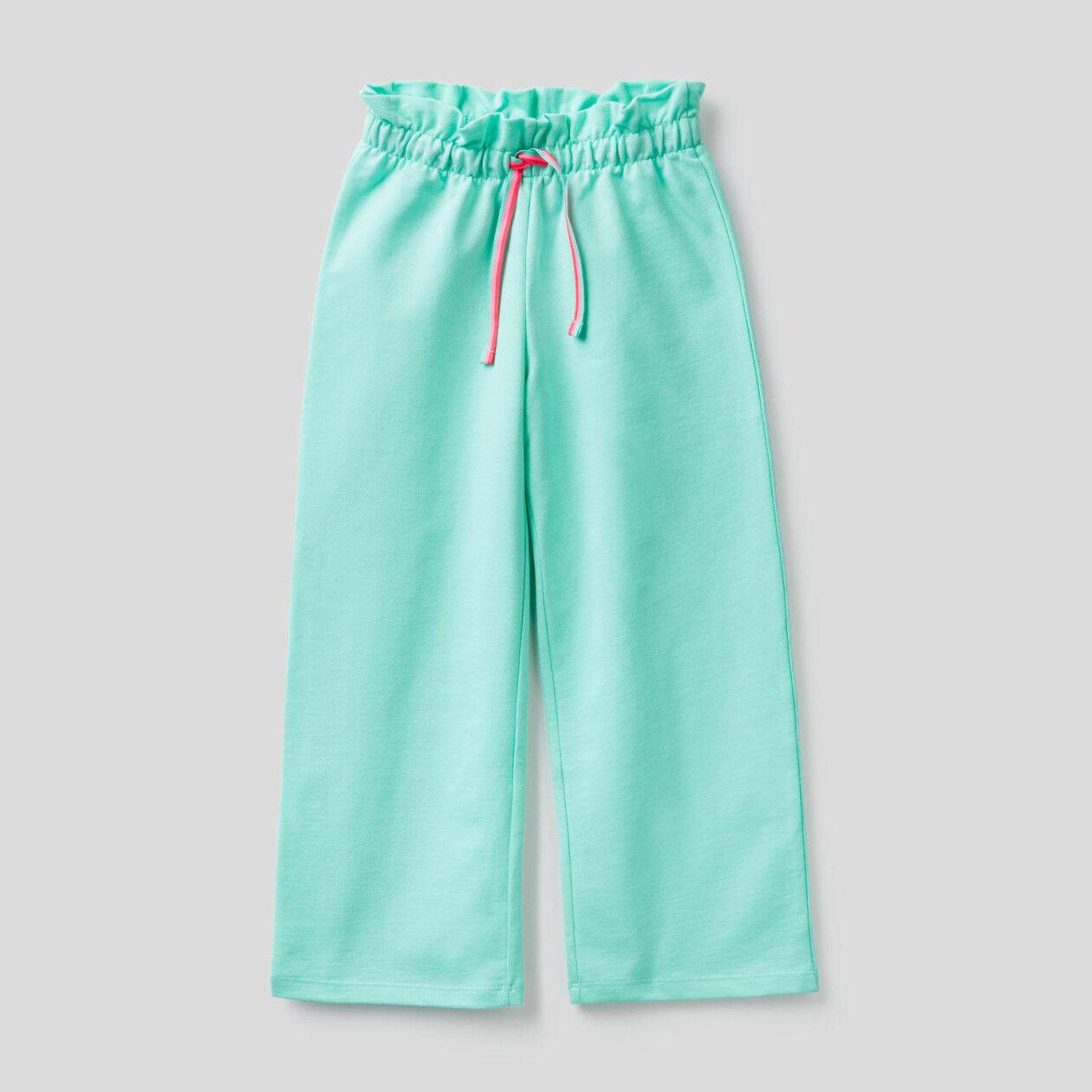 Παντελόνι με φαρδιά γάμπα από ελαφρύ φούτερ