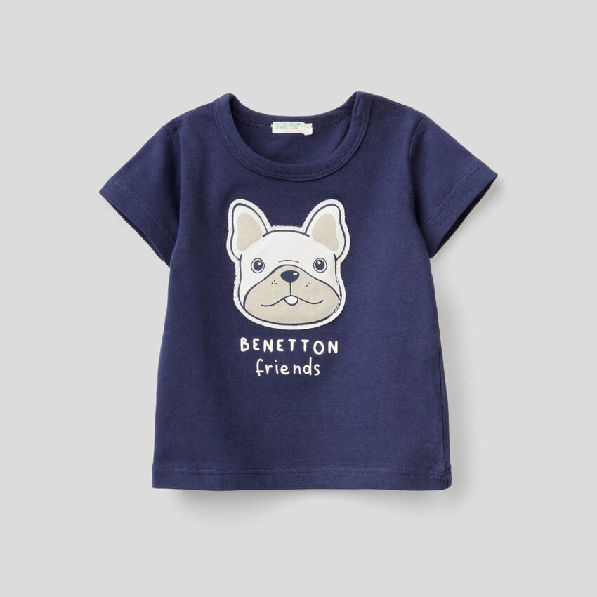 T-shirt with patch and print