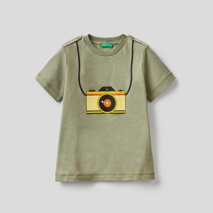 T-shirt πράσινο με τύπωμα φωτογραφική μηχανή