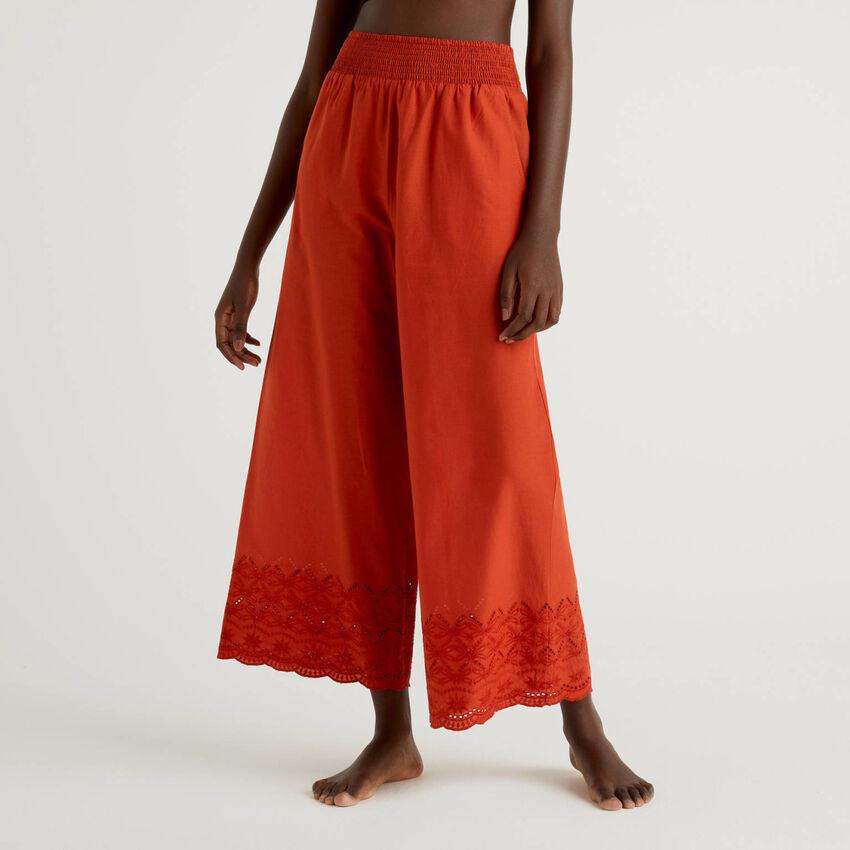 Παντελόνι με κεντήματα