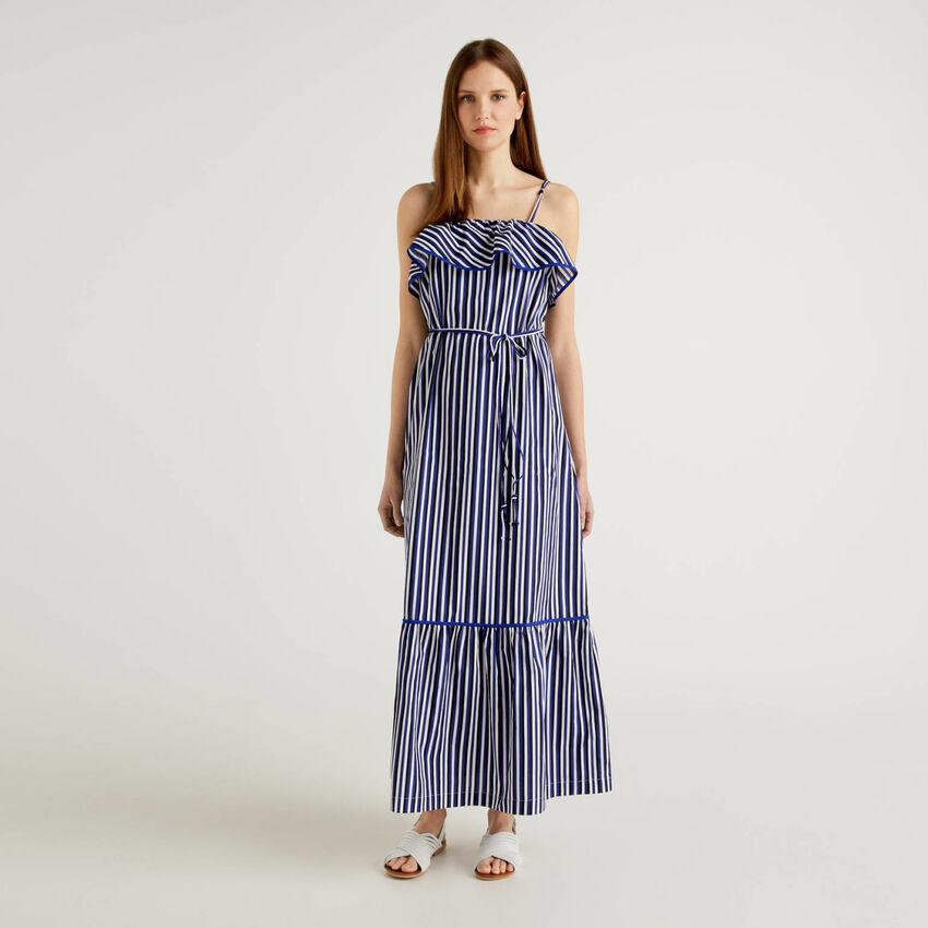 Μάξι φόρεμα ριγέ με βολάν