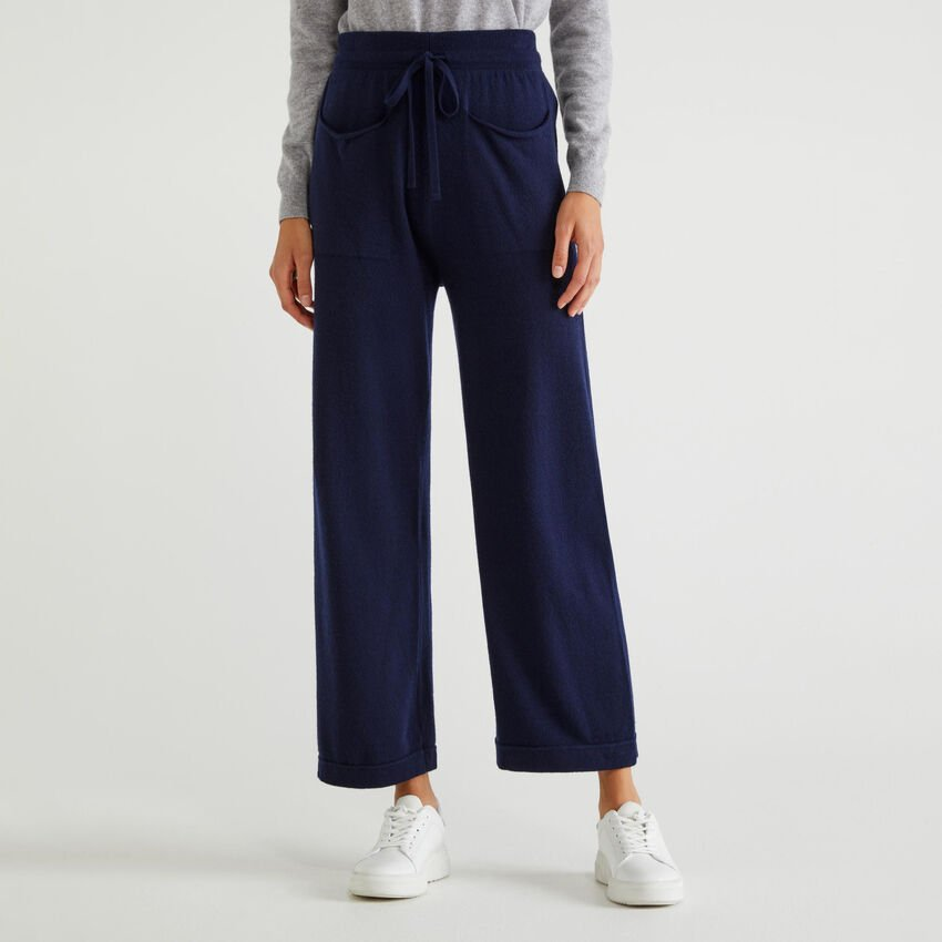 Knit trousers with pockets
