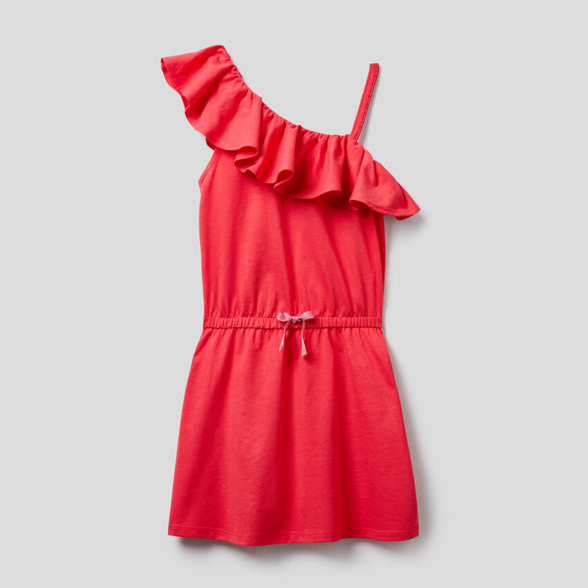Φόρεμα με έναν ώμο με βολάν